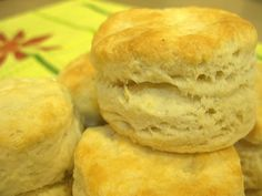 "This is a recipe for ""Flaky Buttery Biscuits."" Quick and easy! My daughter thinks they taste like Cracker Barrel Biscuits. Finally I can make biscuits. I Love Food, Good Food, Yummy Food, Tasty, Buttery Biscuits, Quick Biscuits, Buttermilk Biscuits, Easy Flaky Biscuit Recipe, Easy Biscuit Recipes"