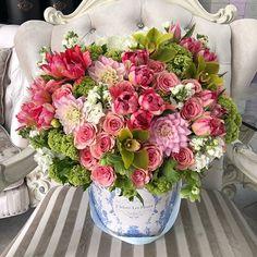 Send Mixed Flowers to Los Angeles - JLF Flower Boutique Pink Flower Arrangements, Flower Centerpieces, Floral Bouquets, Flower Decorations, Floral Wreath, Simple Flowers, Amazing Flowers, Fresh Flowers, Pink Flowers