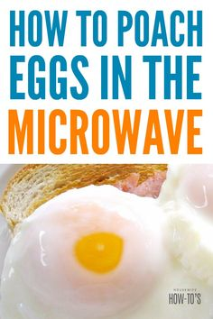 How to Poach an Egg in the Microwave - This makes having a hot breakfast on busy mornings a breeze! Poached Eggs Microwave, Cooking Poached Eggs, Easy Poached Eggs, How To Make A Poached Egg, Perfect Poached Eggs, How To Cook Eggs, Poach Egg How To, Cooking Tips, Cooking Recipes