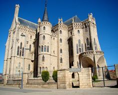 Episcopal Palace of Astorga, Spain by the famous Catalan architect Antoni Gaudí, was built between 1889 and 1913. Designed in the Catalan Modernisme style, it is one of only three buildings by Gaudi outside Catalonia.