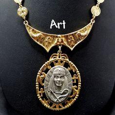 Etsy Vintage, Vintage Art, Vintage Shops, Antique Jewelry, Vintage Jewelry, Name Art, Necklace Lengths, Egyptian, Gold