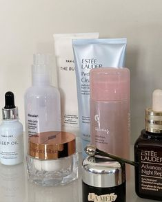 Beauty Care, Beauty Skin, Face Skin Care, Acne Skin, Aesthetic Makeup, Aesthetic Black, Japanese Aesthetic, Aesthetic Outfit, Korean Aesthetic