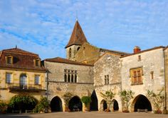 An insider's guide to Aquitaine-Limousin-Poitou-Charentes in south-western France, including the main attractions to visit on holiday, the best towns and villages to live in and buying property in Aquitaine-Limousin-Poitou-Charentes