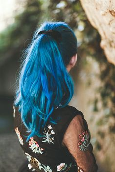 Teal blue mermaid hair pony tail More