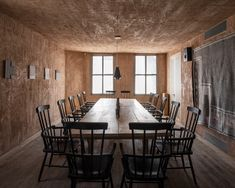 Hidden restaurant Mãos has opened in London, seating just 16 people a night inside the captivating Blue Mountain School concept space in Shoreditch. Best Restaurants London, Communal Table, Blue Mountain, Iron Mountain, Do It Yourself Home, Minimalist Interior, Best Interior Design, Diy On A Budget, House