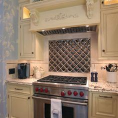 French Country Kitchen Design Ideas, Pictures, Remodel, and Decor Shabby Chic Kitchen, Rustic Kitchen, New Kitchen, Kitchen Ideas, Kitchen Vent, Kitchen Magic, Kitchen Inspiration, Kitchen Cabinetry, Kitchen Flooring