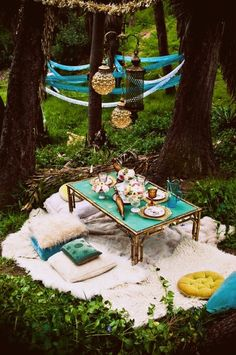 boho decor. it would be fun to do this in seashore.