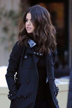 Ideas For Haircut Selena Gomez 2018 – Frisuren Mittel Selena Selena, Selena Gomez Pelo Corto, Medium Hair Styles, Curly Hair Styles, Selena Gomez Style, Selena Gomez Hair Color, Selena Gomez Long Hair, Selena Gomez Hairstyles, Selena Gomez Haircut