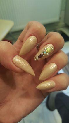 Nails stiletto