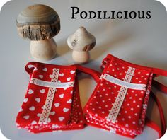 Home made Danish flags for Christmas and birthday. Danish Christmas, Scandinavian Christmas, Scandinavian Style, Christmas Ideas, Christmas Crafts, Danish Flag, Flags, Wedding Planning, Happiness