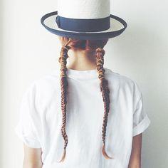 「美容師instagrammerイセキリエさんから学ぶロングヘアアレンジ集」に含まれるinstagramの画像 MERY [メリー]