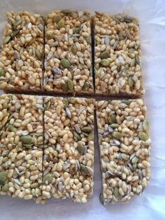 So easy! nutritions, gluten free, vegan homemade protein packed treat! Not your average rice crispy square :)