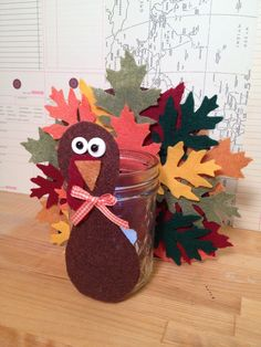 This Leafy Thanksgiving Turkey Votive will make an attractive addition to your Thanksgiving centerpiece. The kids will have fun cutting out the felt to mak Free Thanksgiving Printables, Thanksgiving Preschool, Thanksgiving Crafts For Kids, Thanksgiving Traditions, Thanksgiving Turkey, Fall Crafts, Kids Crafts, Thanksgiving Centerpiece Diy Kids, Felt Diy