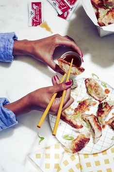 restaurant photography Davide Luciano is a food photographer based in NYC specializing in food photography for editorial and commercial use. Food Art, A Food, Food And Drink, Food Photography Styling, Food Styling, Oshi Sushi, New York Food, Work Meals, Food Concept