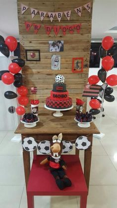 Fine Quarto Decorado Flamengo that you must know, Youre in good company if you?re looking for Quarto Decorado Flamengo Soccer Cake, Soccer Party, Sports Party, Casino Theme Parties, Party Themes, Mimosas, Baby Birthday, Birthday Parties, Ideas Para Fiestas