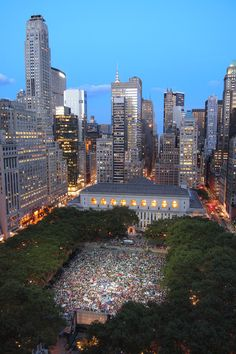 Where to See Free, Outdoor Films in NYC | HBO Bryant Park Summer Film Festival