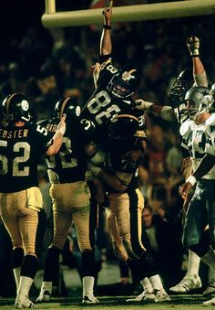 Lynn Swann is lifted by his teammates after scoring a late touchdown in the fourth quarter of Pittsburgh's defeat of the Dallas Cowboys in Super Bowl XIII. He was later elected to the NFL's 1970 All-Decade team. Pitsburgh Steelers, Here We Go Steelers, Pittsburgh Steelers Logo, Baltimore Colts, Pittsburgh Sports, Dallas Cowboys, Lynn Swann, Steelers Super Bowls, Nfl Football
