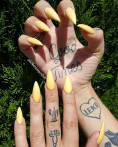 80 Stilleto Acrylic Long Nails 2017
