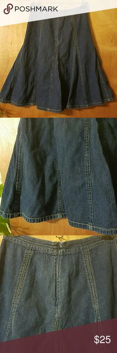 "Boden Flared Denim Midi Skirt Waist, 14"" across, length is 24"". No pockets. It zips up the back. 100% cotton. Medium wash, lightweight denim. Exposed stitching, flouncy bottom. No trades. Pet and smoke friendly home. Excellent condition.  Thank you! Boden Skirts Midi"