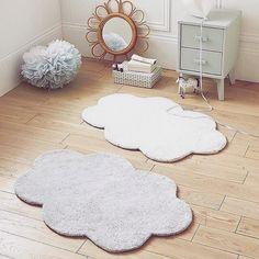 Les tapis nuage que vous aimez tant 💛 . #decoration #decobebe #tapis #tapisenfant #boutiquedeco #boutiquebebe #rangetachambre