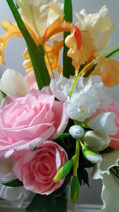 Bukiet kwiatów  z krepiny   ;)