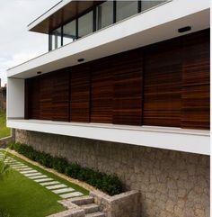 CASA WN no Bairro Trindade em Florianópolis. #casa #jobimcarlevaro #casas #arquitetura #arquiteto #fachada #florianopolis