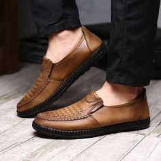 Men Breathable Knitted Leather Old Peking Soft Sole Casual Flat Shoes Mens Casual Dress Shoes, Mens Fashion Shoes, Men S Shoes, Leather Moccasins, Leather Loafers, Loafers Men, Martin Shoes, Brown Coffee, Elegant Man