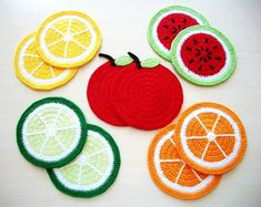Michaela Krammer's media content and analytics Crochet Fruit, Rainbow Crochet, Crochet Food, Love Crochet, Crochet Gifts, Crochet Motif, Crochet Designs, Crochet Baby, Knit Crochet