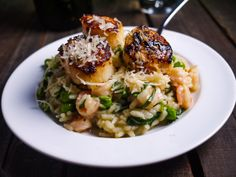 Barbells and Bellinis: Seared Scallops with Shrimp, Herb and Spring Vegetable Risotto. I may have died and gone to risotto heaven. Fish Recipes, Seafood Recipes, Great Recipes, Cooking Recipes, Favorite Recipes, Healthy Recipes, Think Food, I Love Food, Fish Dishes