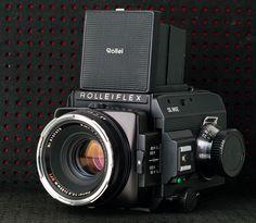 Rolleiflex SL66E with Carl Zeiss Planar 1:2.8/80 HFT lenses
