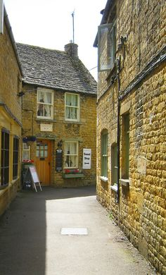 Bourton-On-The-Water, Gloucestershire, Cotswolds, England, UK