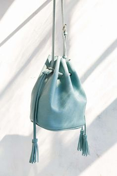 Silence + Noise Simple Bucket Bag - Urban Outfitters