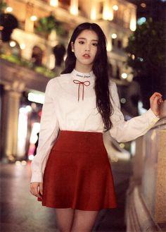 South Korean Girls, Korean Girl Groups, Asian Woman, Asian Girl, Olivia Hye, Kpop Girls, Just In Case, Cover, Cheer Skirts