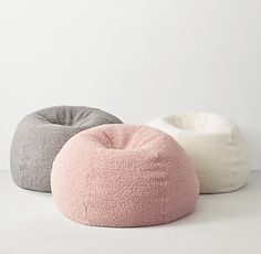 I could imagine having a bean bag in the seating area of my room. This would go good with the other comfy chair I pinned. Cute Bedroom Ideas, Cute Room Decor, Teen Room Decor, Room Ideas Bedroom, Bedroom Decor, Teen Bedroom Chairs, Big Bean Bags, Cool Bean Bags, Decorating Rooms