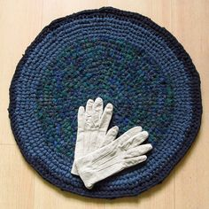22 inch, round crochet rug, navy, green, greyblue, handmade, upcycled, eco, carpet, recycled #etsy #gifts