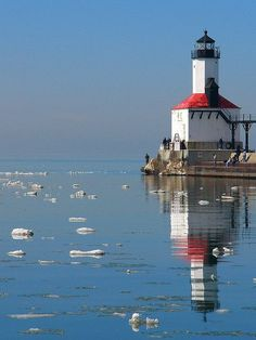 This light, which looks identical to the St. Joseph's inner range light, is located in Michigan City, Indiana . on the Southern shore of Lake Michigan. Wisconsin, Michigan City Indiana, Lake Michigan, Michigan Usa, Grands Lacs, Terra Nova, Illinois, Lighthouse Lighting, Lighthouse Pictures