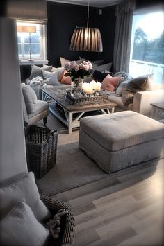 Looooove lots of pillows. When we get our new three piece sectional, I am going to cover it full of pillows! Super cozy!