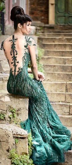 Gorgeous dresses by Rami Salamoun: Slytherin Yule Ball gown - Robes 02 Beautiful Gowns, Beautiful Outfits, Gorgeous Dress, Beautiful Women, Elegant Dresses, Pretty Dresses, Evening Dresses, Prom Dresses, Bridal Dresses