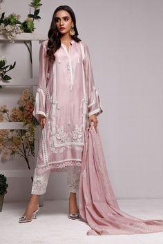 Plazo Kurti, Suit Styles, Summer Suits, Suit Fashion, Dress Designs, Piece Of Clothing, Pakistani Dresses, Bouquets, Designer Dresses