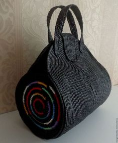 Marvelous Crochet A Shell Stitch Purse Bag Ideas. Wonderful Crochet A Shell Stitch Purse Bag Ideas. Crochet Handbags, Crochet Purses, Crochet Bags, Crochet Chain, Knit Crochet, Sac Granny Square, Buy Bags, Recycle Jeans, Denim Bag