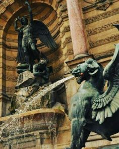 Fontaine St. Michel
