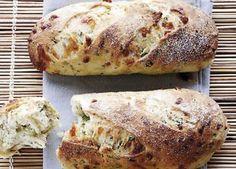Brød med ost og krydderurter