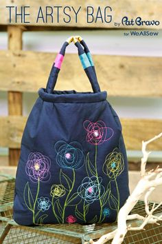 Create and Sew a Free-Motion Embroidered Purse with this Free PDF by Pat Bravo for WeAllSew #sewing #embroidery