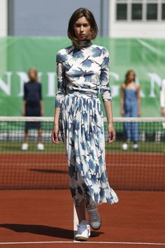 Explore the looks, models, and beauty from the Ganni Spring/Summer 2015 Ready-To-Wear show in Copenhagen on 6 August 2014 Scandinavian Fashion, Swedish Fashion, Fashion Brand, Fashion Art, Mode Inspiration, Simple Dresses, Bellisima, Marie, Ready To Wear