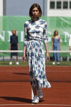 Blumenprints beim Tennisspiel: Ganni S/S 15