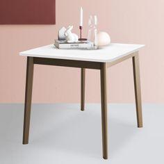 Tavolo allungabile a libro quadrato Connubia Calligaris Dine, disponibile in 16 varianti, con strutture di colore nocciola, grigio o bianco.
