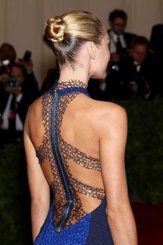 gorgeous zipped dress