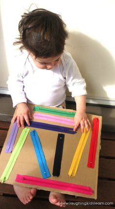 DIY zipper board for kids - Laughing Kids Learn : Using the DIY sensory board for babies and toddlers Here is a handmade DIY zipper board for kids, which is great for developing fine motor skills, independence and sensory awareness. Suitable for ages 1 to Toddler Play, Toddler Learning, Baby Play, Learning Games, Early Learning, Montessori Activities, Infant Activities, Preschool Activities, Maria Montessori