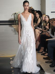 Justin Alexander Spring 2018: Timeless Silhouettes Get the Luxe Treatment | TheKnot.com