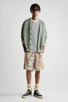 PALM PRINT BERMUDA SHORTS | ZARA Slovenia Zara, Back Patch, Palm Print, Pocket Detail, Printed Shorts, Elastic Waist, Bermuda Shorts, Floral Prints, Menswear